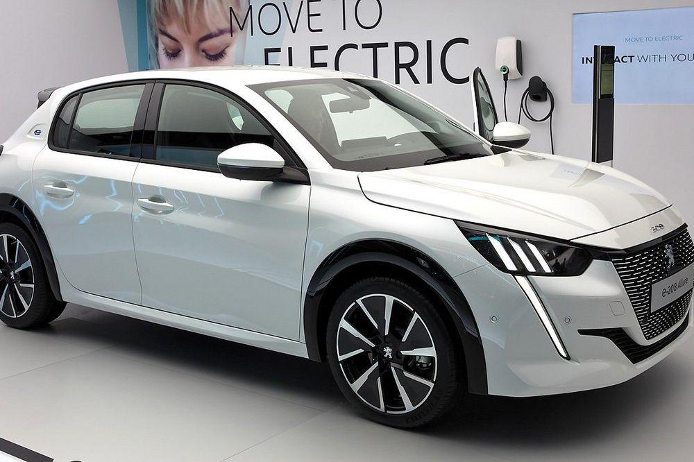 De Peugeot 208 is de Auto van het jaar 2020