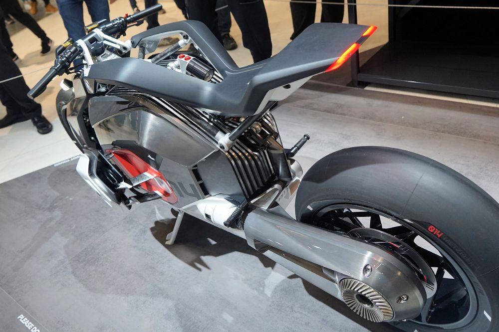 Elektrisch motorrijden, hoe is dat